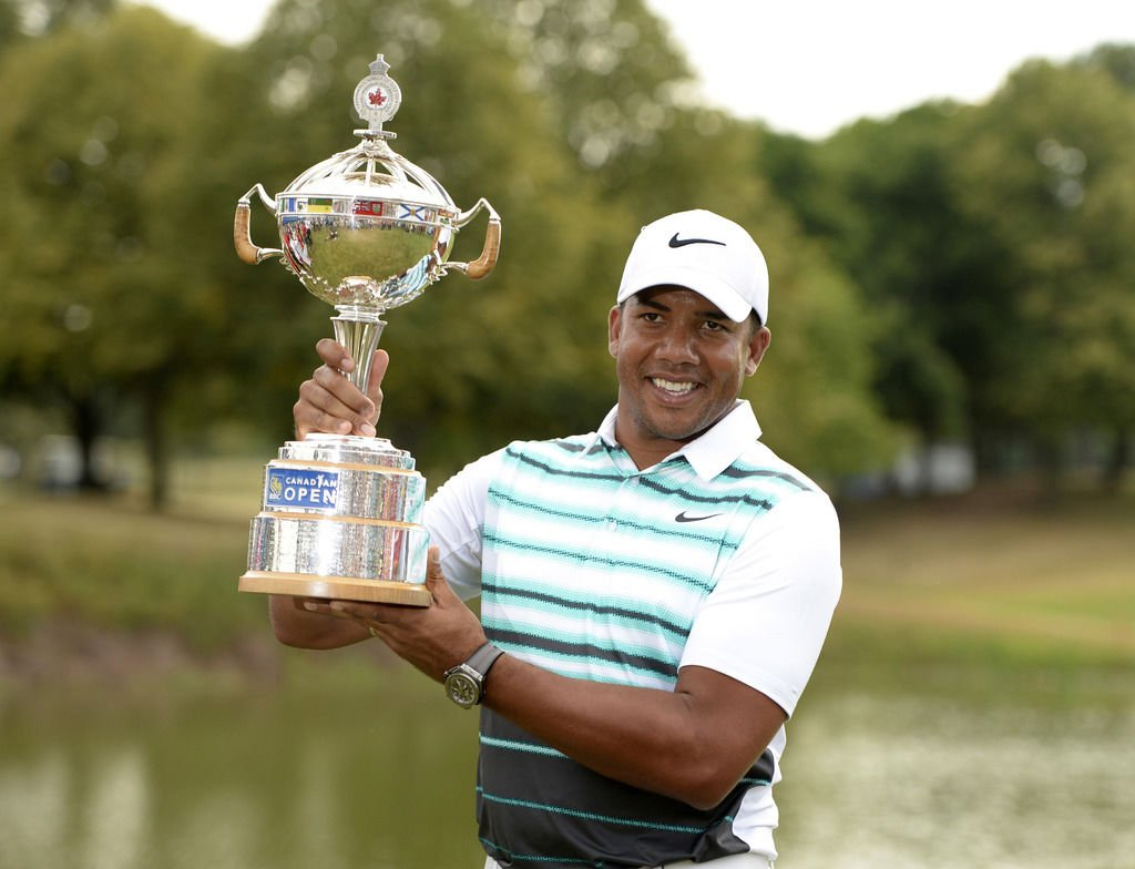 Jhonattan Vegas with RBC Canadian Open trophy