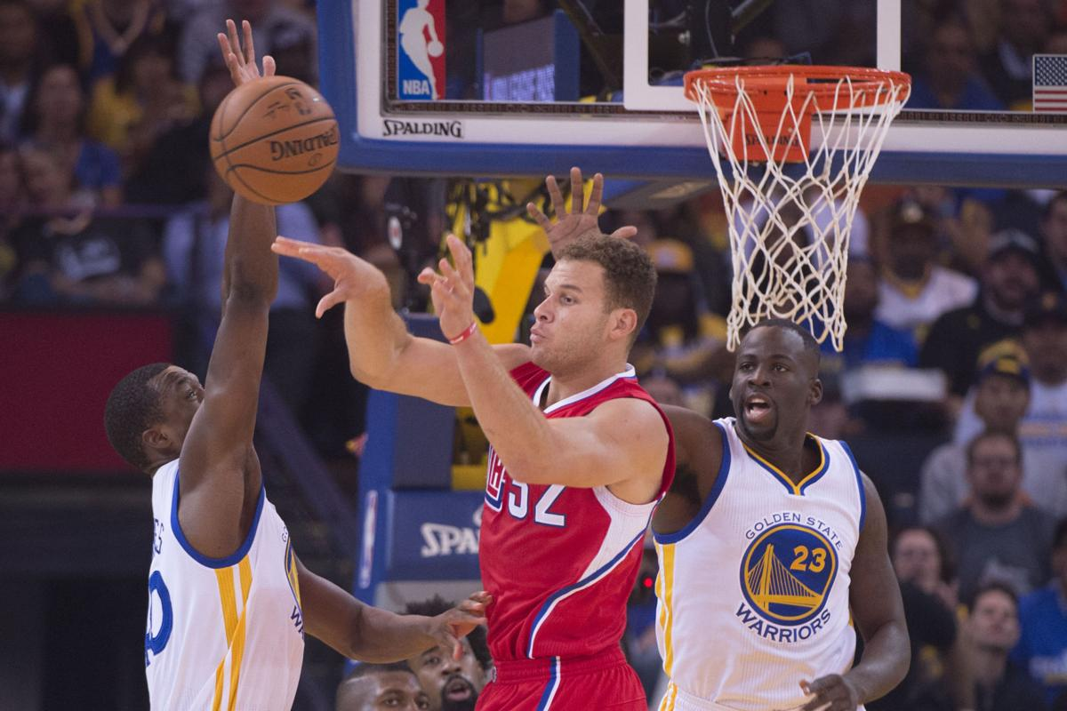 Curry drains seven 3s to lift warriors past clippers for Golden state motors bakersfield