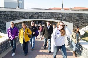 Students create tour in hopes of easing JMU's relationship with the community, Harrisonburg locals