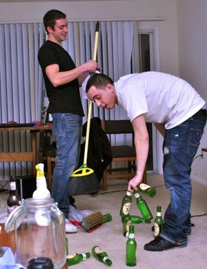 The clean-up crew: Two JMU students begin student-friendly cleaning service for post-party apartments