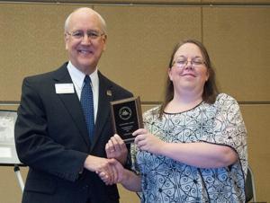 Davies receives graduate award from ESU