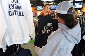 Merchandise sales soar in wake of Joe Paterno's death