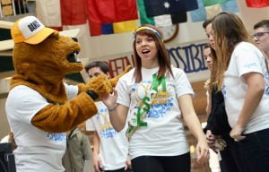 100 days til thon pageant contestant