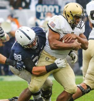 Zettel (98) tackles