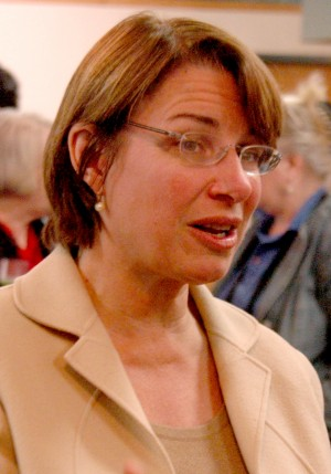 Sen. Amy Klobuchar to honor Stewart veteran on Memorial Day