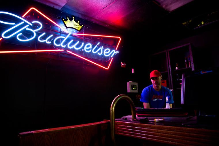 South campus bar to open on o street daily nebraskan news for 1 2 3 4 dance floor