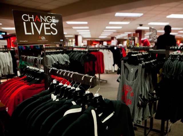 UNL United Students Against Sweatshops pushes for more support ...