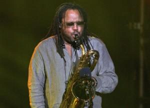 Dave Matthews Band sax player LeRoi Moore dies