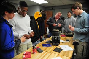 Area Students Learn Basics of Avaition