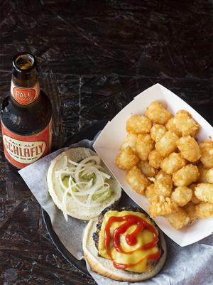 First Look: Woodies Bar and Grill Now Open in Soulard