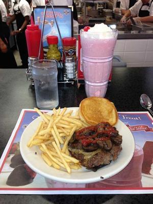 Sneak peek at Steak 'n Shake