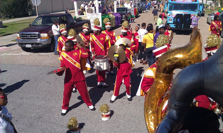 High school bands add to Mardi Gras celebration
