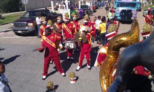 High school bands add to Mardi Gras celebration