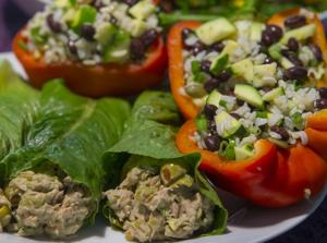 "<p>Tuna avocado lettuce wraps and peppers stuffed with squash, rice and beans are part of a ""brain healthy"" diet.</p>"