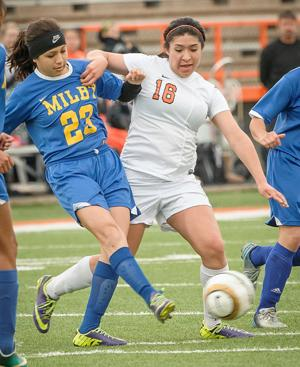 Lady Stings head into second round