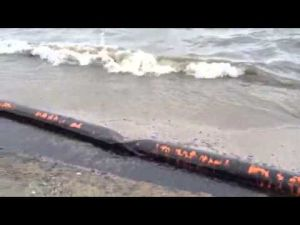 Oil washes up on Galveston's East Beach