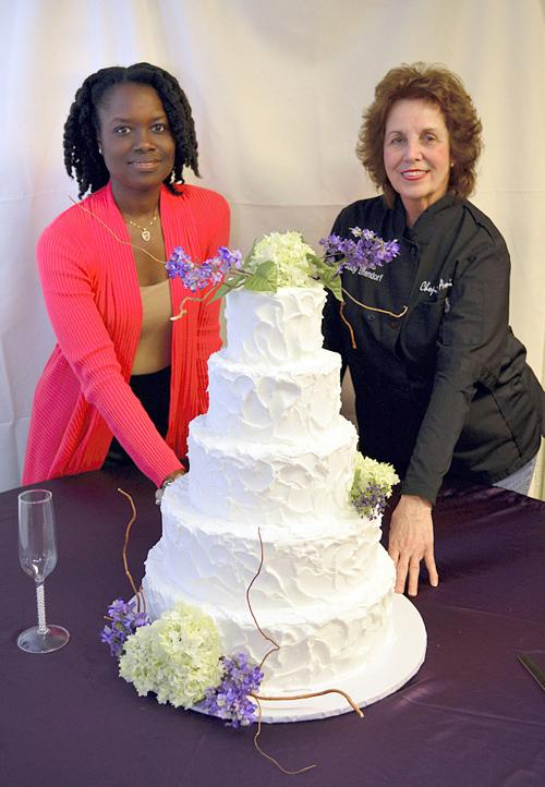Making wedding cakes healthier