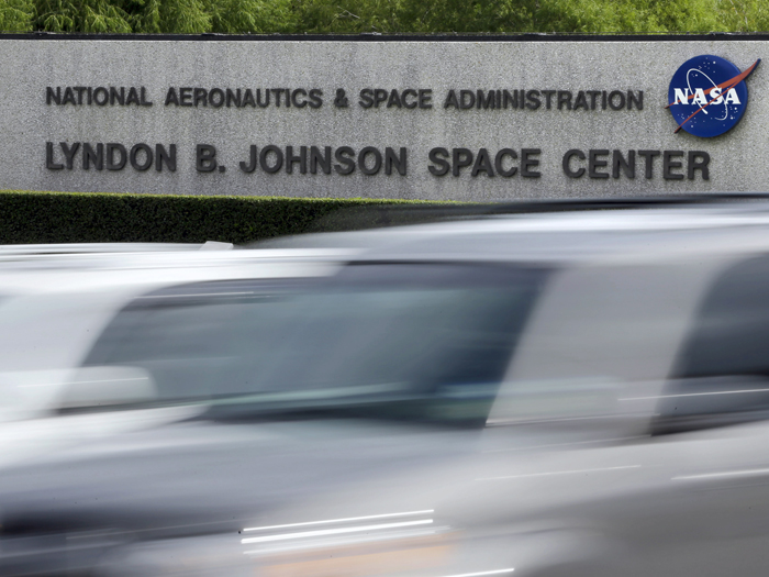 NASA employees head back to work