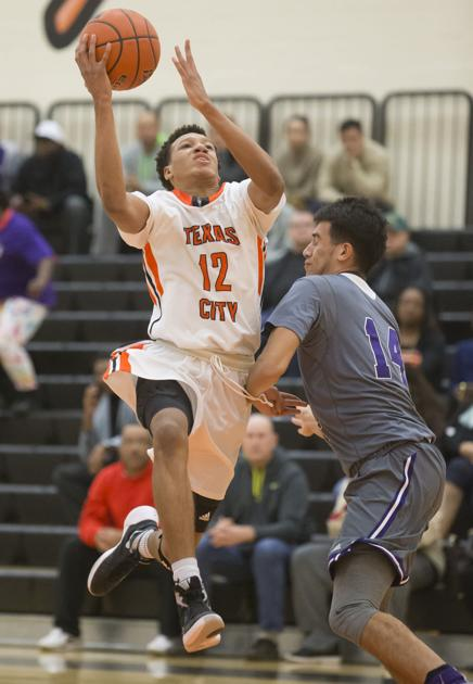 Texas City Starts Strong Hangs On For Key District Win
