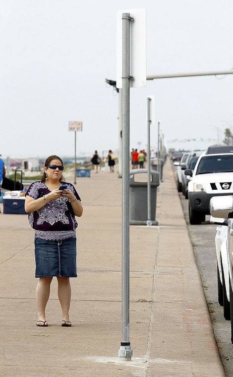 Seawall parking fees greeted with confusion; city says it has received few complaints