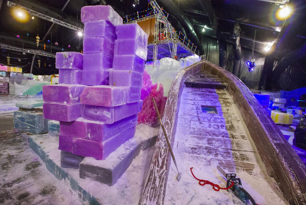 Ice Carvers Continue Shaping Moody Gardens Ice Land Leisure The Daily News