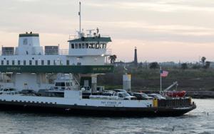 Galveston Bolivar Ferry running again