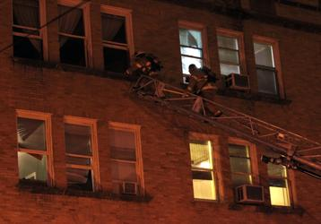 Man dies in Galveston apartment fire