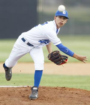 Buendia pitches Gators past Knights