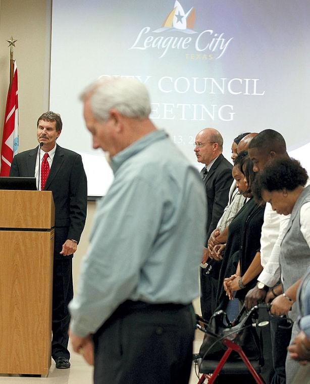 League City's decision to bring back prayer at meetings might not be end to the debate
