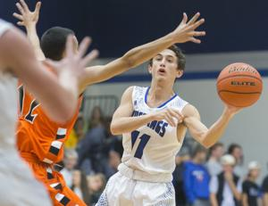 Friendswood boys, Clear Creek girls try to topple district leaders
