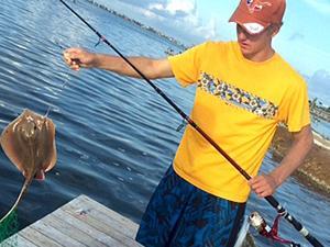 Angler lands stingray