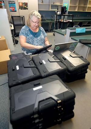 CCISD students get tablets