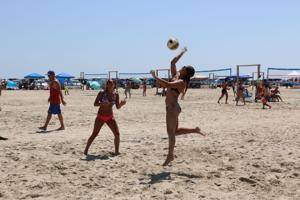 Galveston tournament part of UH volleyball's effort to grow program