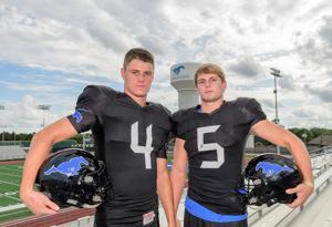 DBs Weston Owens, Reid Nickerson bring smarts, poise to Friendswood defense