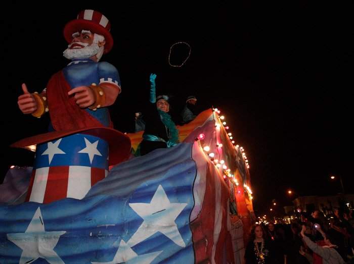 Krewe of Gambrinus Lights up the Night Parade