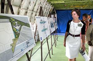 NASA, Space Center announce plans for shuttle carrier exhibit