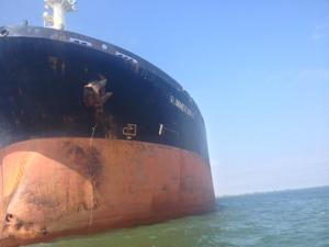 Judge orders marshals to seize ship involved in oil spill