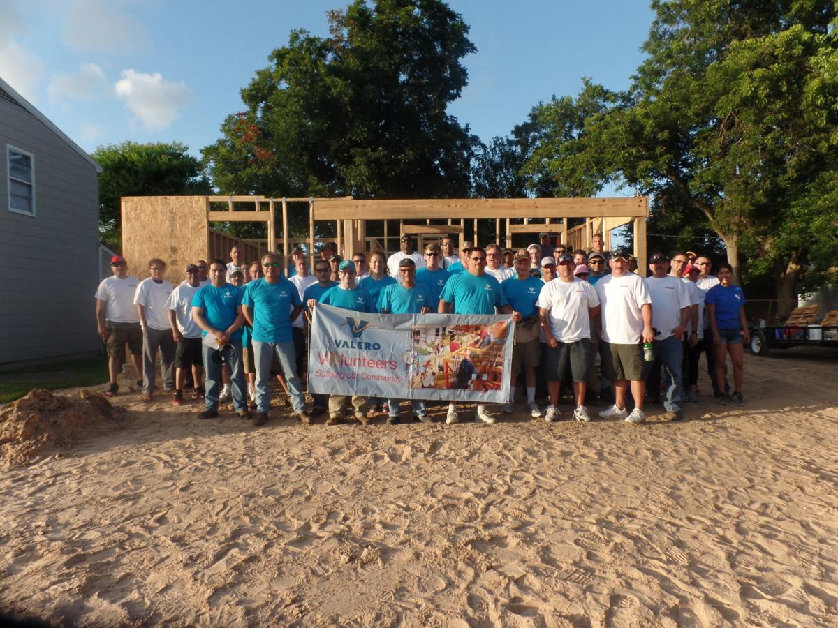 Valero and habitat for humanity team up applause the for Habitat for humanity houses for rent