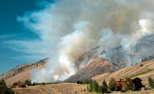 Homes destroyed and more evacuated in Casper Mountain fire