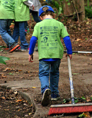 Geneva Academy students clean up zoo