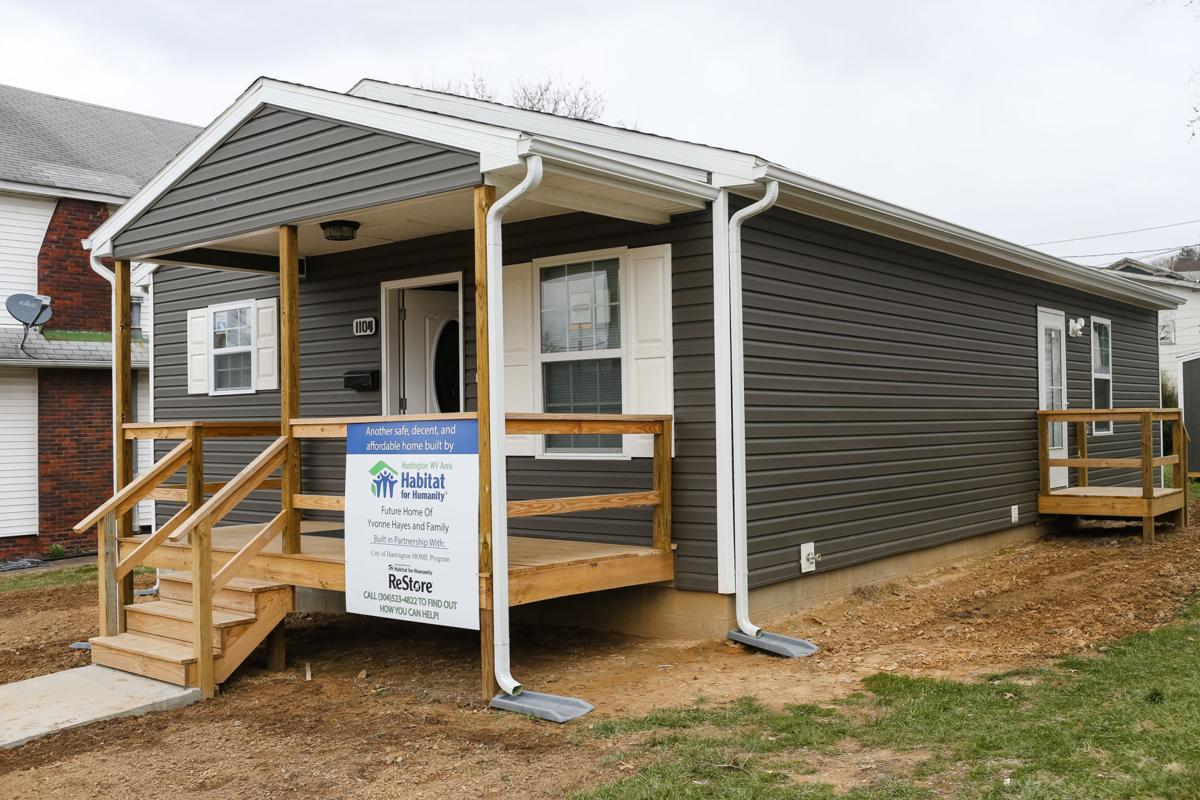 Habitat for humanity dedicates its 98th home in huntington for Habitat for humanity houses for rent
