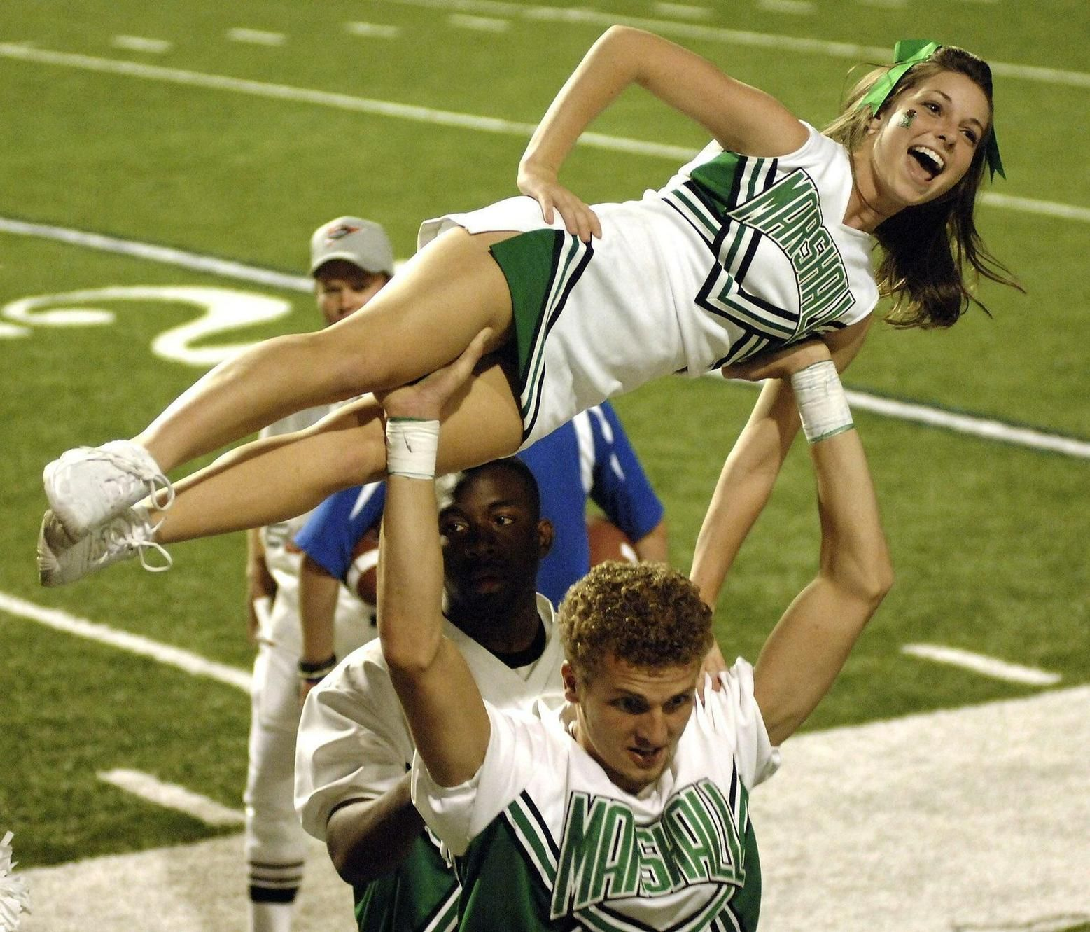 marshallu Photo Keywords: cheerleader
