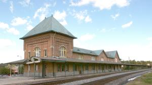 Bristol Train Station side view