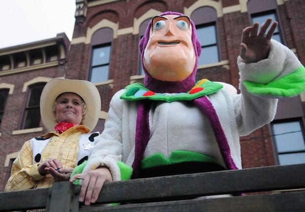 Uniontown Halloween parade