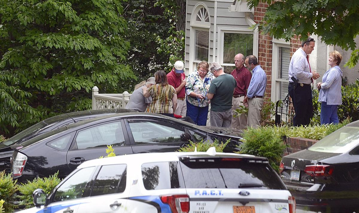 Mayor rudy wright found dead in residence police do not for Roberts motors hickory nc