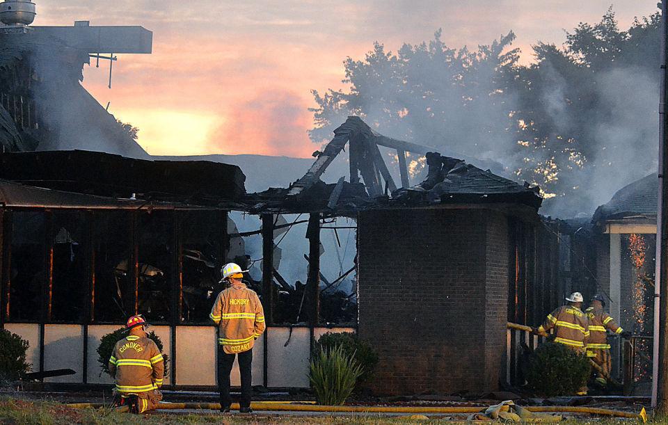 Fire damages restaurant on lenoir rhyne boulevard news for Roberts motors hickory nc