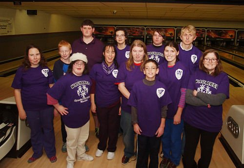 Special Olympic bowlers to State