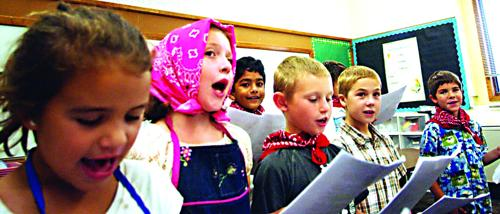 Thering's class performs Appleseed