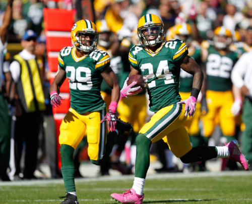 Pack's defense backs up Rodgers in victory over Rams