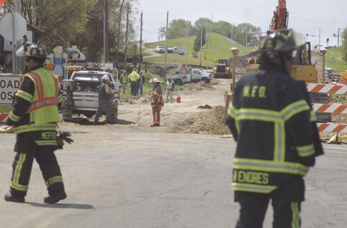 Gas leak brings police, fire